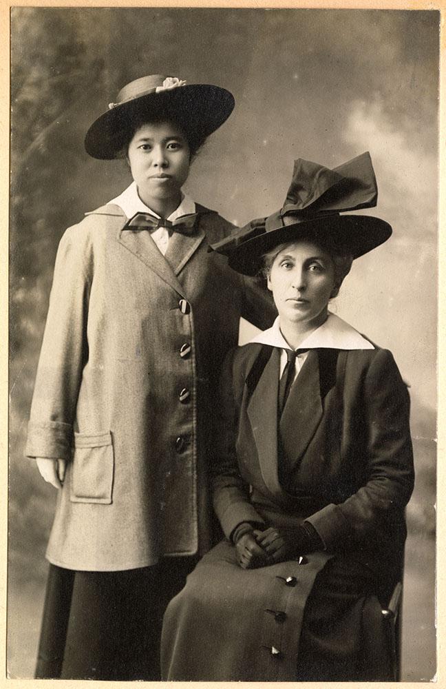 Formal portrait of Tadako Hibi and Jessie Howie