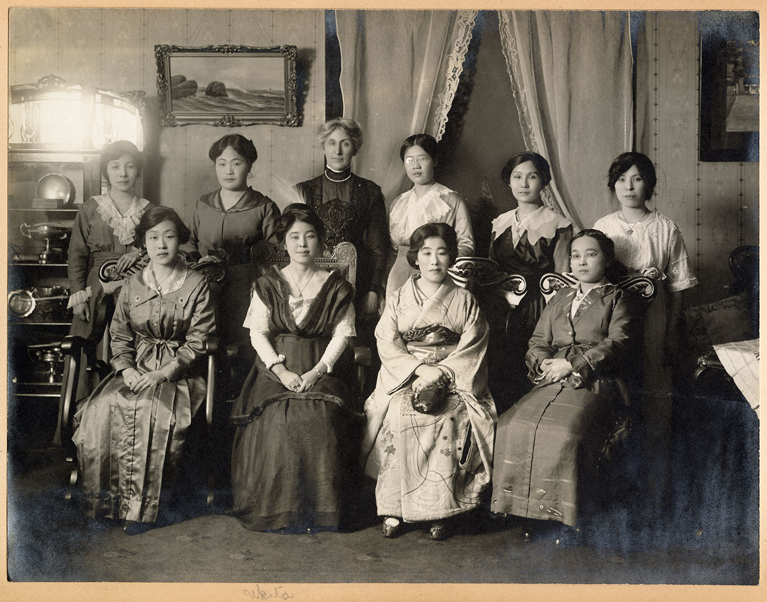 Jessie Howie with a group of Japanese-Canadian women